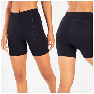 Fabletics High-Waisted Statement Motion365 Short